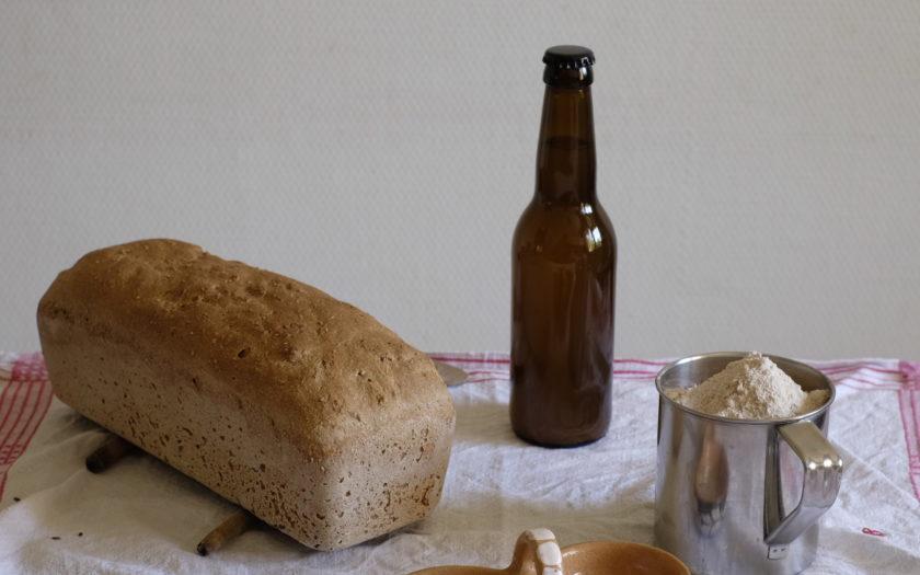 Bier, Hefe, Salz und Mehl